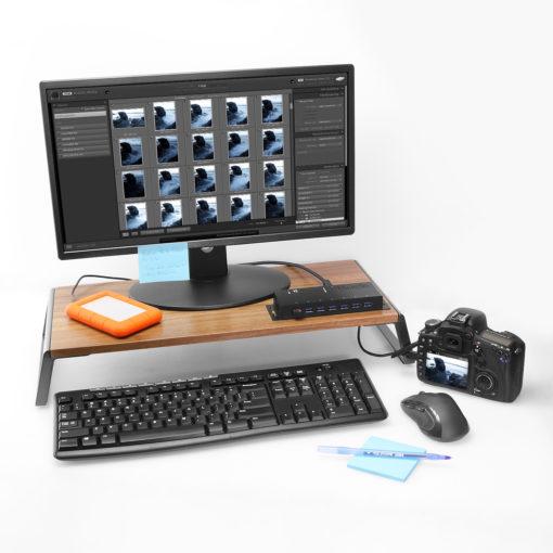7 Port USB 3.2 Gen 1 Hub w/ Surge Protection 7 Port USB 3.0 Hub