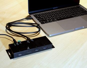 USB 3.1 USB-C 4 port hub connected to MacBook
