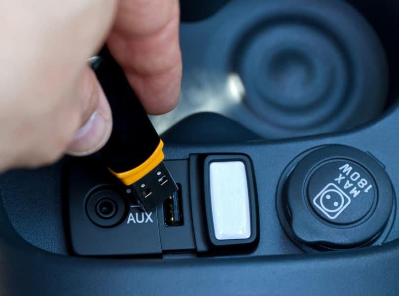 USB Port in car